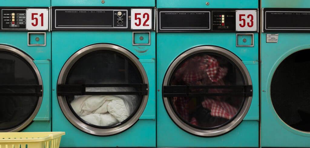 dirndl waschen so wird dein kleid wieder sauber. Black Bedroom Furniture Sets. Home Design Ideas
