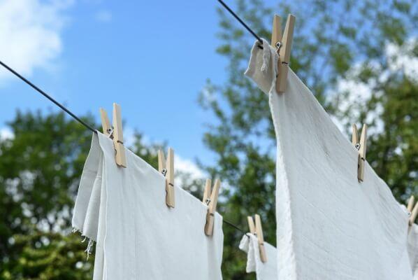 Leinen waschen und trocknen