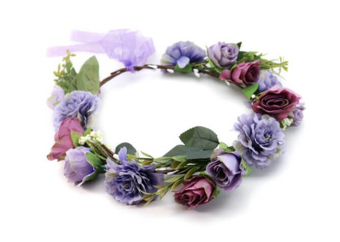 Lilafarbener Blumenkranz